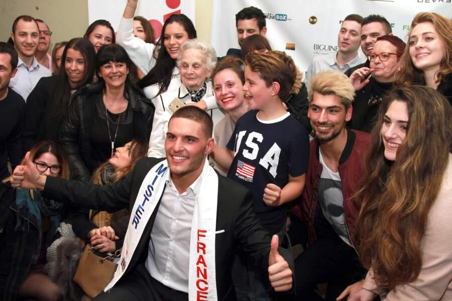 Élection Mister France 2017 : toute la famille et les amis d'Eloy Pechier derrière lui