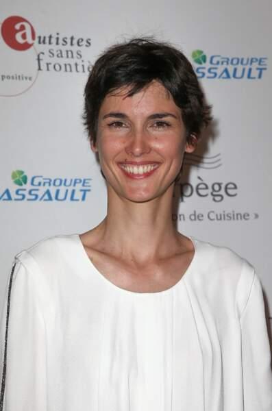 Si Eglantine Eméyé prend les commandes de Questions pour un champion, elle devra délaisser Midi en France