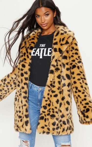 Manteau en fausse fourrure imprimé, PrettyLittleThing, 92€