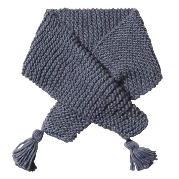 Caroline Receveur x Morgan : maxi écharpe en maille avec pompoms, 40 euros