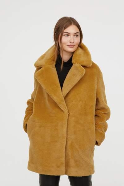 Manteau moutarde en fausse fourrure, H&M, 79,99€
