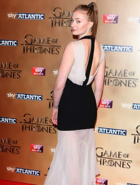 Dans la série, Sophie Turner joue...