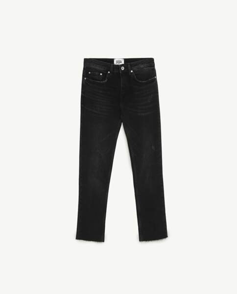 Jean low rise slim noir, Zara,  29,95 au lieu de 17,97 euros