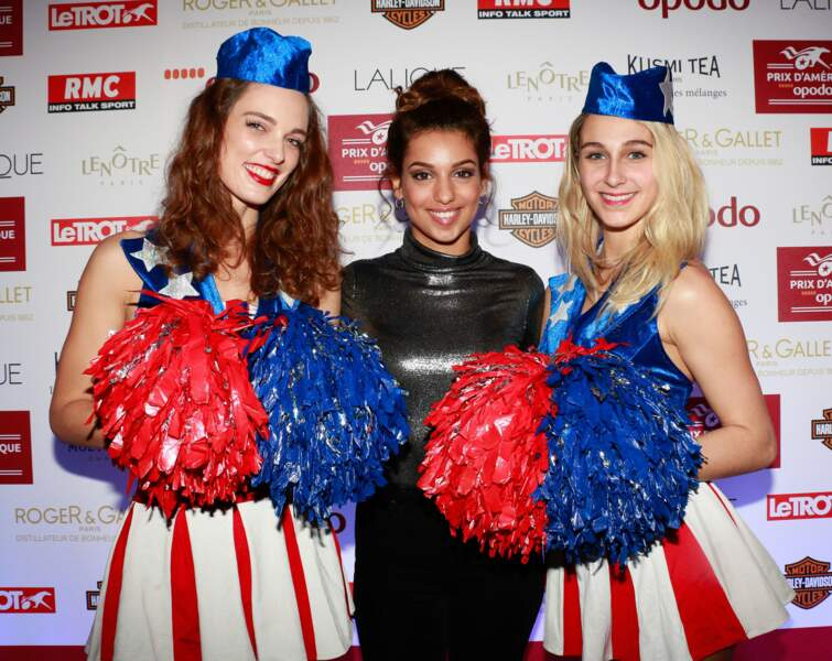 Tal, des pom pom girls et un top qui brille. What else ?