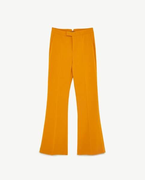 Pantalon flare moutarde, Zara, 49,95 euros