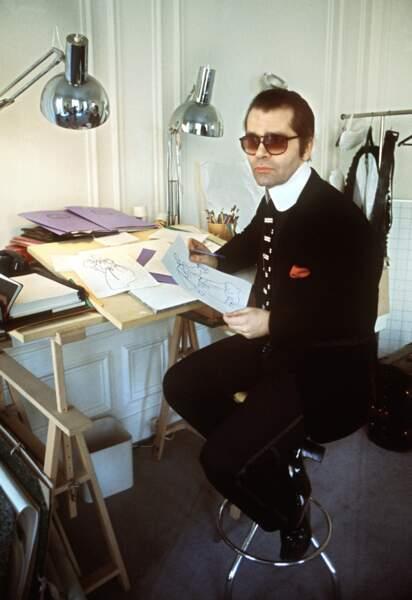 L'évolution physique de Karl Lagerfeld : le créateur en 1979