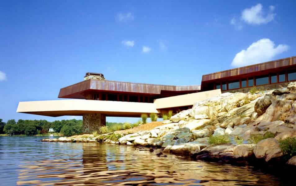 ... et sa villa très privée dessinée par Frank Lloyd Wright
