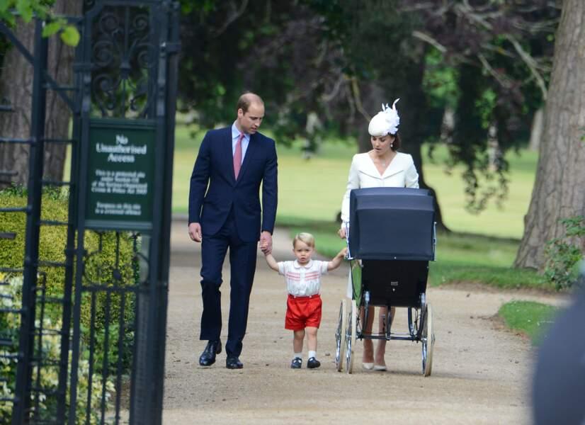 Anniversaire du Prince George - Juillet 2015 George et ses parents au baptême de Charlotte
