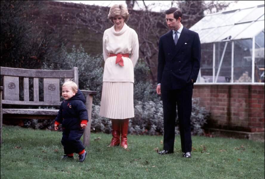 Diana allait souvent avec ses enfants dans le jardin de Kensington Palace