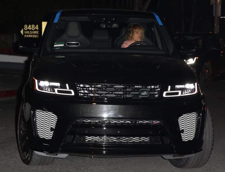 Justin Bieber en larmes en allant prier pour Selena Gomez dans une chapelle de Los Angeles, le 10 octobre