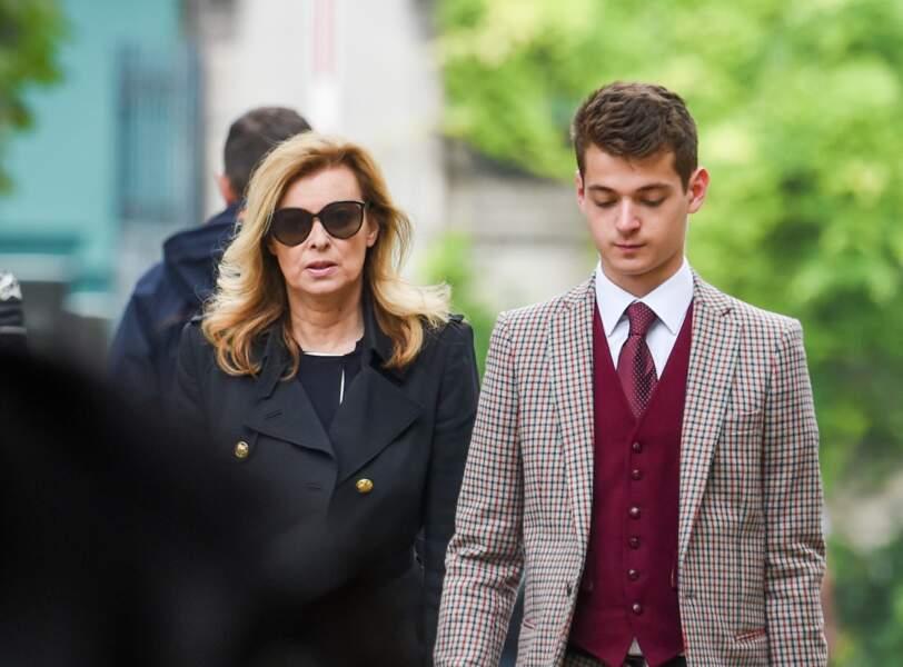 Valérie et Léonard Trierweiler aux obsèques de Christophe Michel