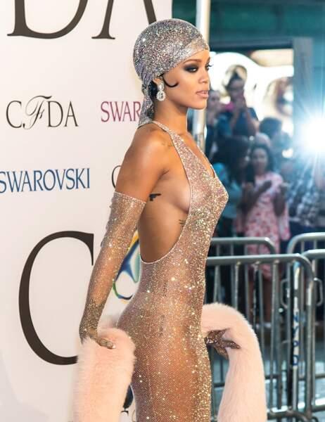 Rihanna d'un côté