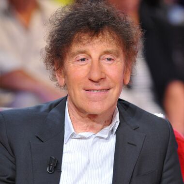 alain souchon la biographie de alain souchon avec. Black Bedroom Furniture Sets. Home Design Ideas