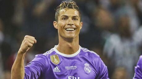PHOTO Cristiano Ronaldo pose avec ses trois enfants, ils sont au top