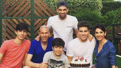 PHOTO Zinédine Zidane, sa femme et leurs enfants en maillot de bain pour le dernier jour des vacances