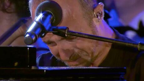 Attentat de Nice: en larmes, Calogero n'arrive pas à terminer sa chanson hommage