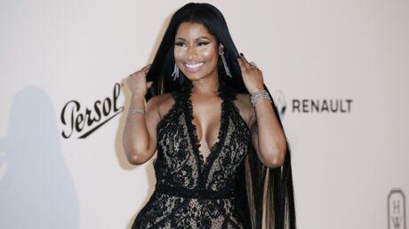 PHOTOS Nicki Minaj: en culotte et soutien-gorge en latex rose, elle se trémousse