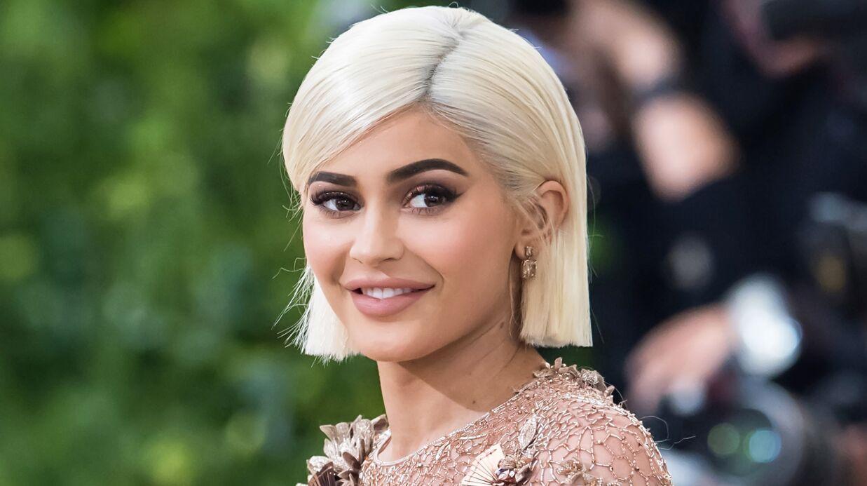PHOTO Kylie Jenner met en valeur sa poitrine dans un soutien-gorge sexy