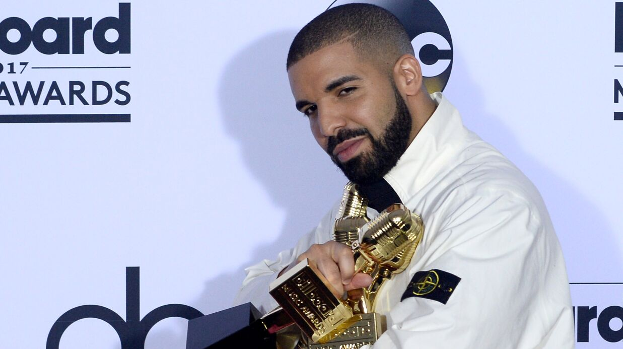 Drake s'est fait tatouer le visage d'un de ses célèbres amis sur le bras