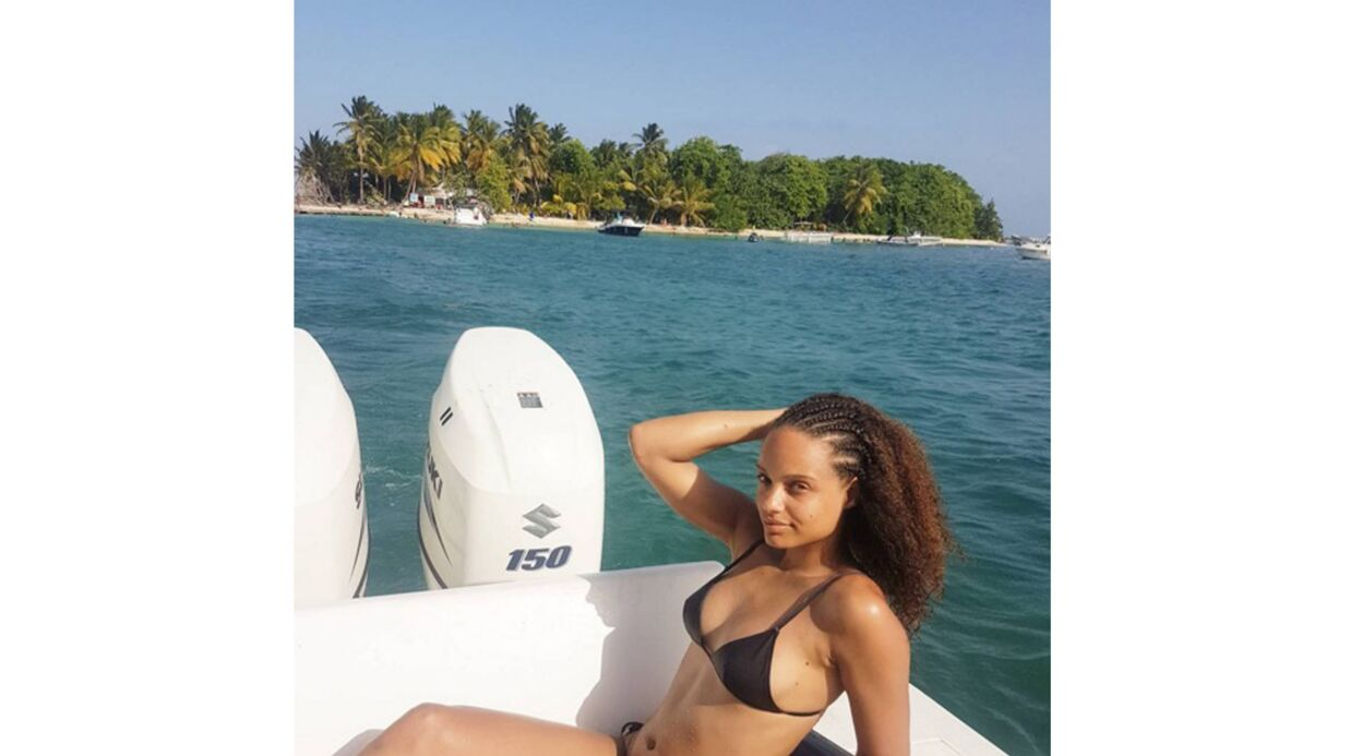 PHOTO Alicia Aylies prend la pose en bikini : une Miss France sublime au natu­rel