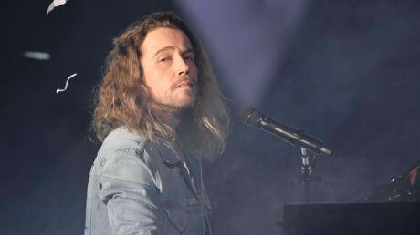 Julien Doré: sa réplique cinglante à un internaute qui critique son concert