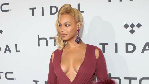 PHOTO Beyoncé ose un large décolleté pour une sortie en amoureux avec Jay-Z