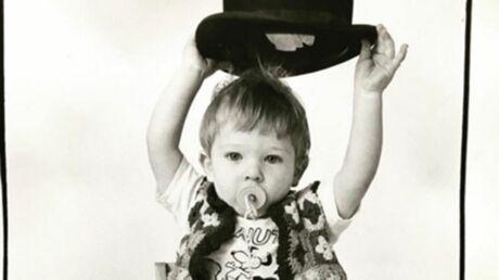 DEVINETTE Quel célèbre acteur se cache derrière le visage de cet adorable enfant?
