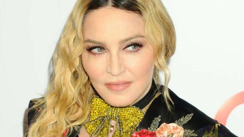 PHOTO Madonna pose pour la première fois avec ses six enfants