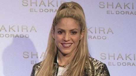 Shakira: torride en string pour un bain de minuit