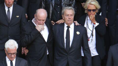 Obsèques de Mireille Darc: Alain Delon et Pascal Desprez unis dans la douleur devant une foule de stars