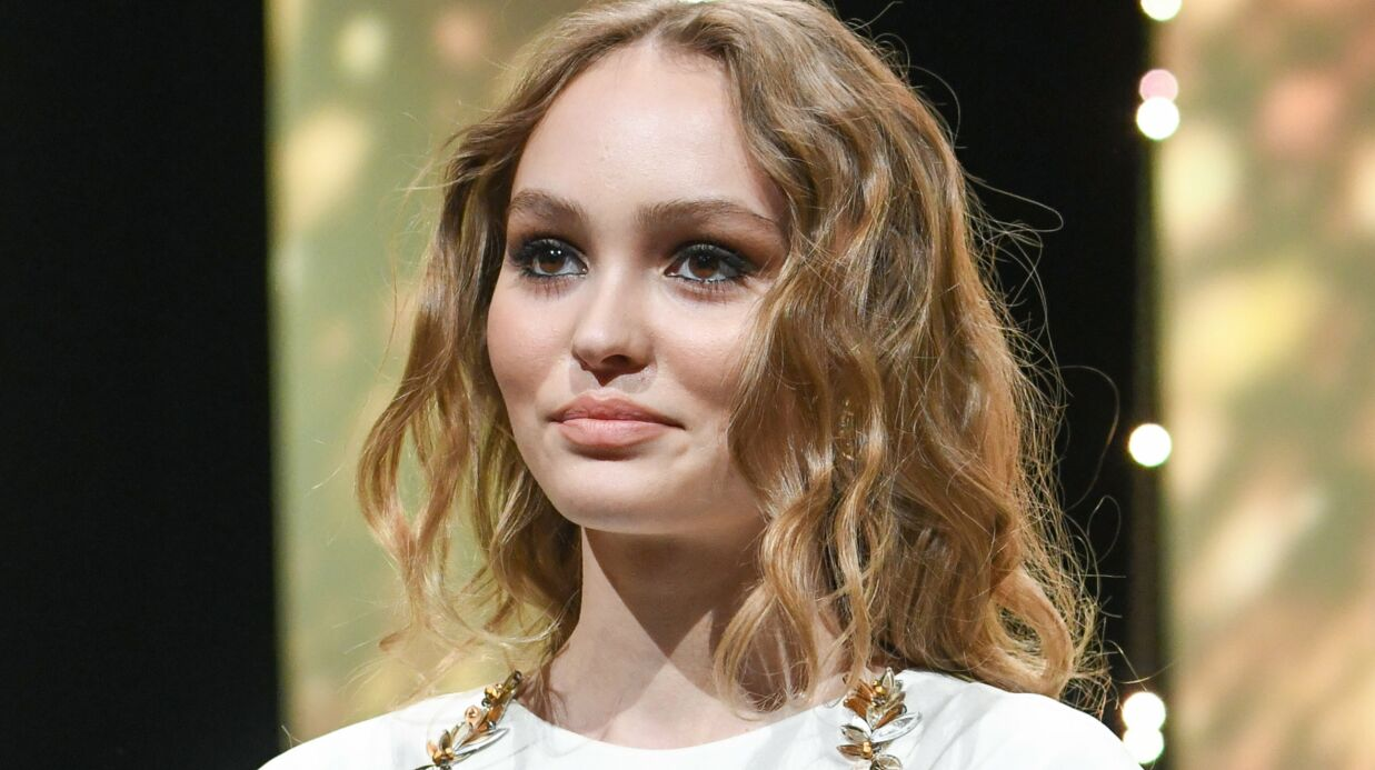 PHOTO Lily-Rose Depp pose topless