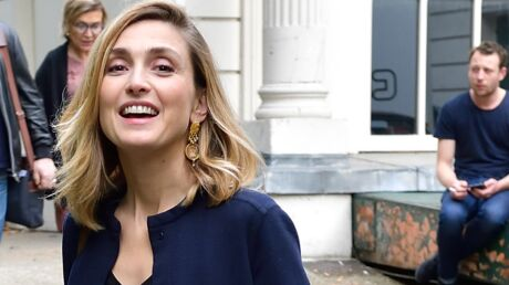 PHOTOS Julie Gayet change de look : frange et cheveux plus sombres