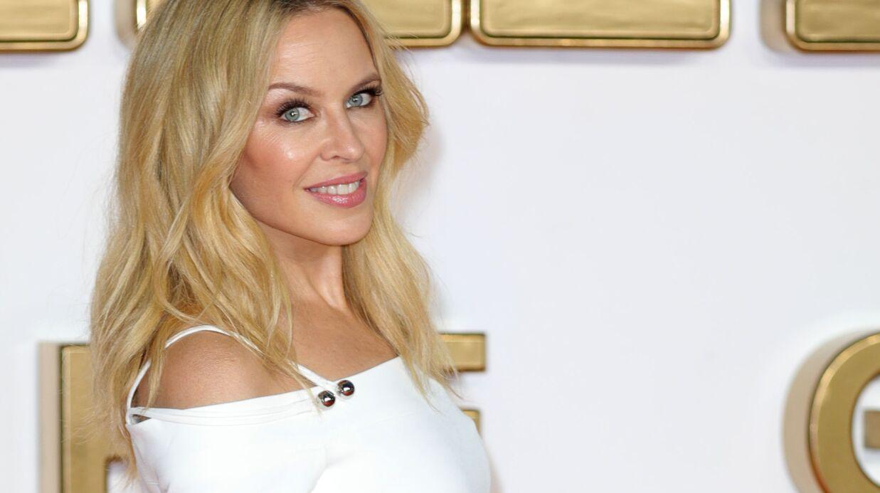 PHOTO Kylie Minogue ressort une photo d'elle topless sur les réseaux sociaux