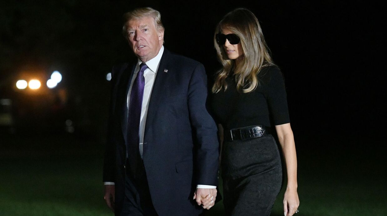 PHOTOS Melania Trump: son look lunettes de soleil en pleine nuit fait bien rire les internautes