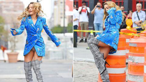 PHOTOS Rita Ora en string et sans pantalon sous une veste, elle en montre ÉVIDEMMENT trop