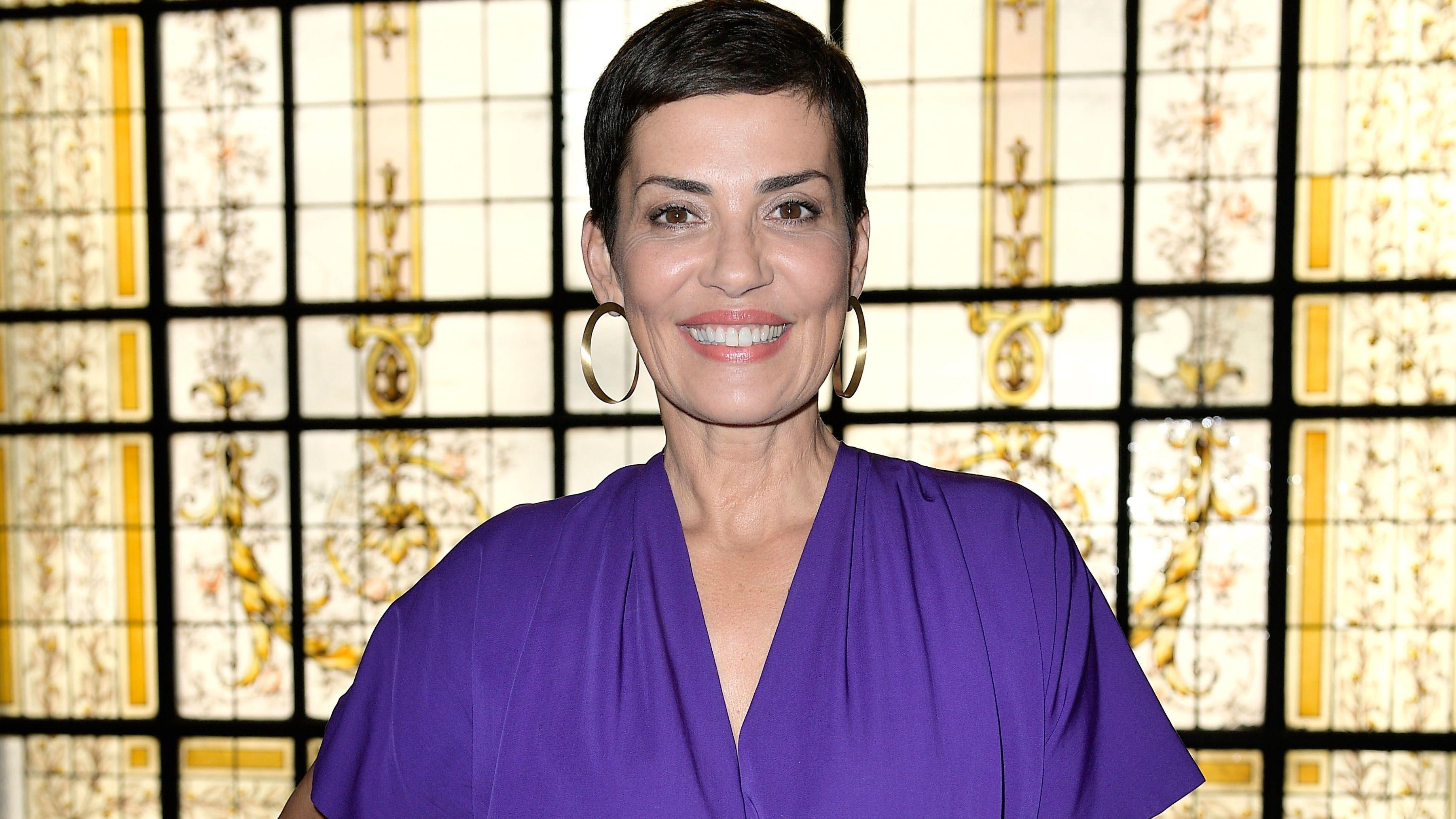 5d5a6bb1eee Cristina Cordula   la relookeuse de M6 organise son vide-dressing - Voici