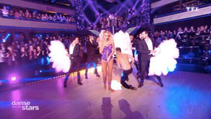 VIDEO Elodie Gossuin termine topless dans Danse avec les stars