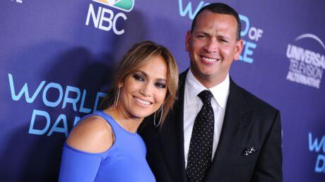 PHOTO Jennifer Lopez pose les fesses à l'air avec son amoureux pour Vanity Fair