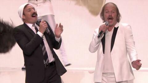 Philippe Katerine débarque chez Jimmy Fallon pour interpréter Moustache