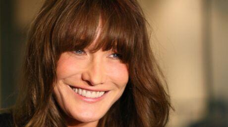 Carla Bruni filme la première séance de poney de sa fille, Giulia