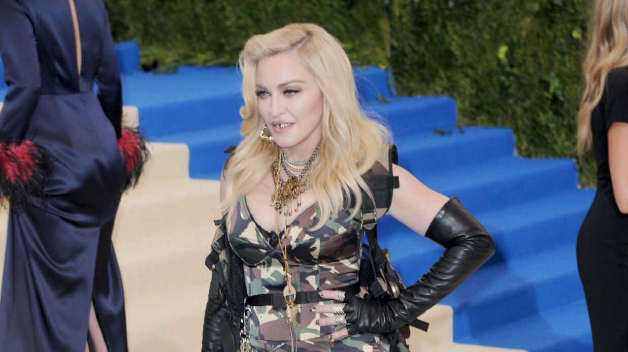 PHOTO Madonna pose seins nus sur Instagram