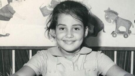 DEVINETTE Qui est cette petite fille qui lit sagement son livre?