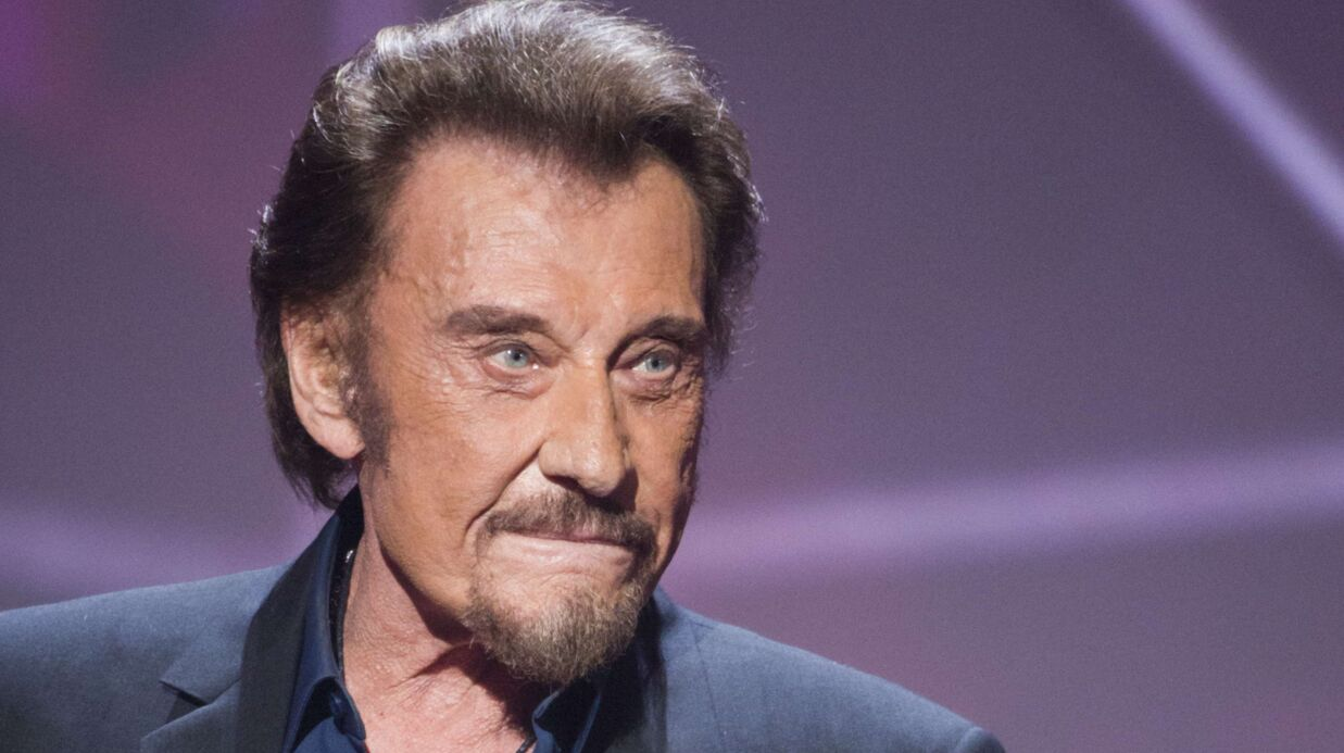 Johnny Hally­day malade : le chan­teur a repris son trai­te­ment