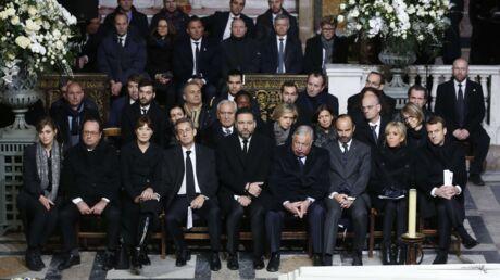 Hommage à Johnny Hallyday: Brigitte et Emmanuel Macron très présents pour Laeticia, les autres politiques dans la retenue