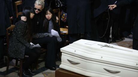 Hommage à Johnny Hallyday: pourquoi son cercueil est blanc