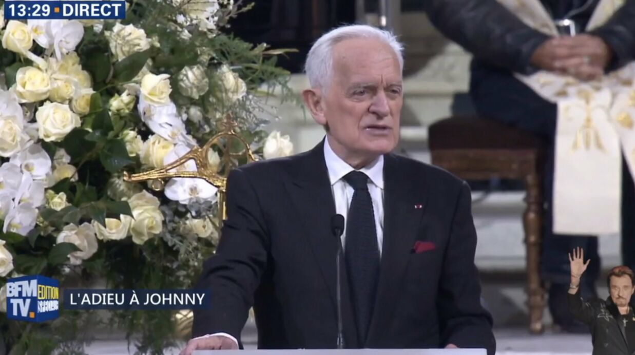 Hommage à Johnny Hally­day : Philippe Labro s'excuse après une maladresse dans son discours
