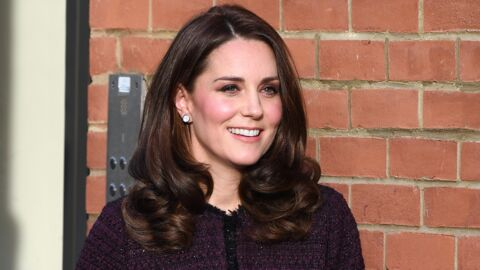 PHOTOS Kate Middleton : son baby-bump et son manteau font le buzz