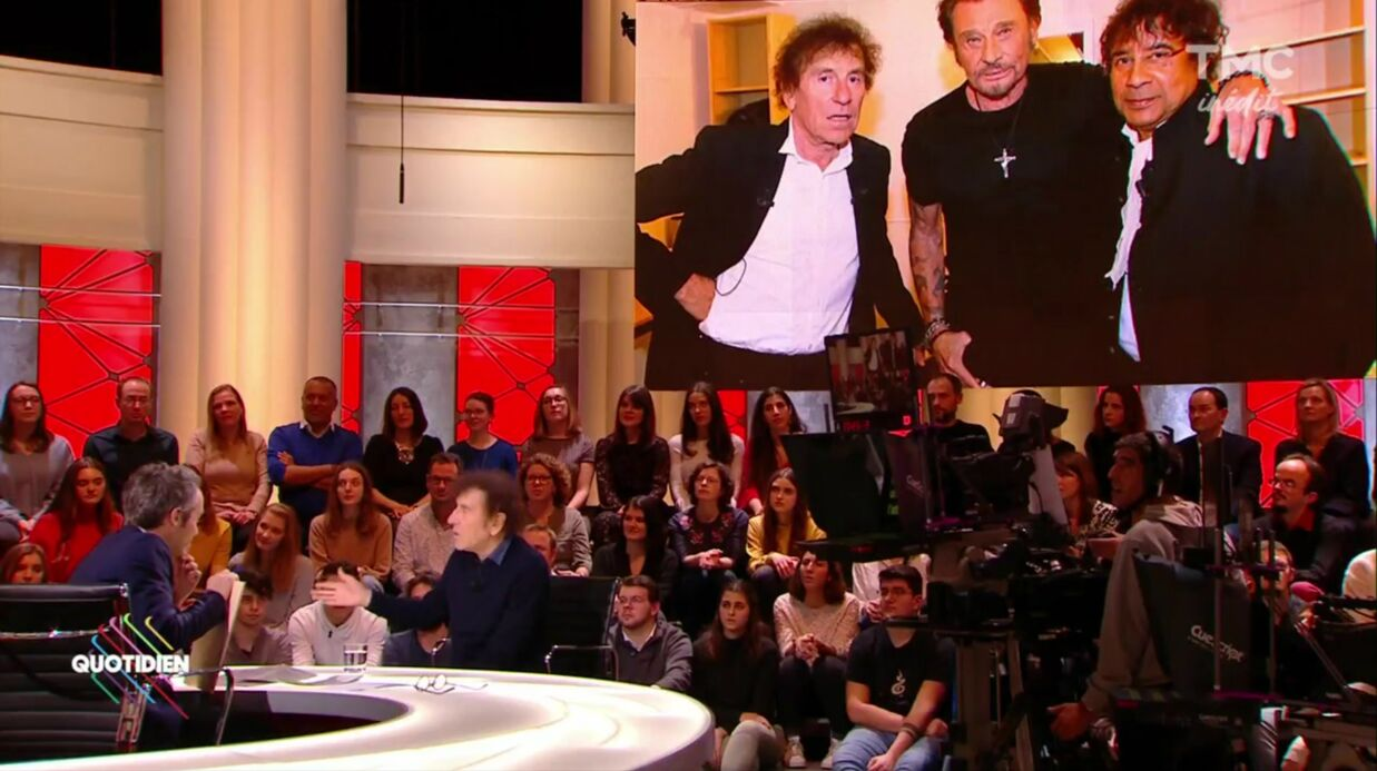 VIDEO Alain Souchon : sa tendre décla­ra­tion d'amour à Johnny Hally­day