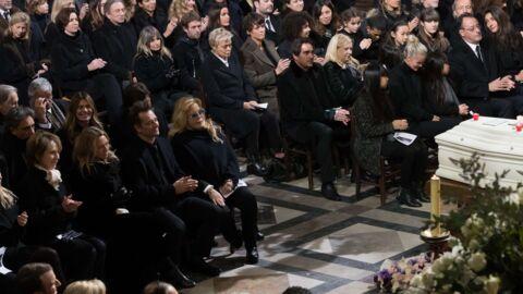 Obsèques de Johnny Hallyday: comment le placement de Laeticia, David et Laura a-t-il été organisé?