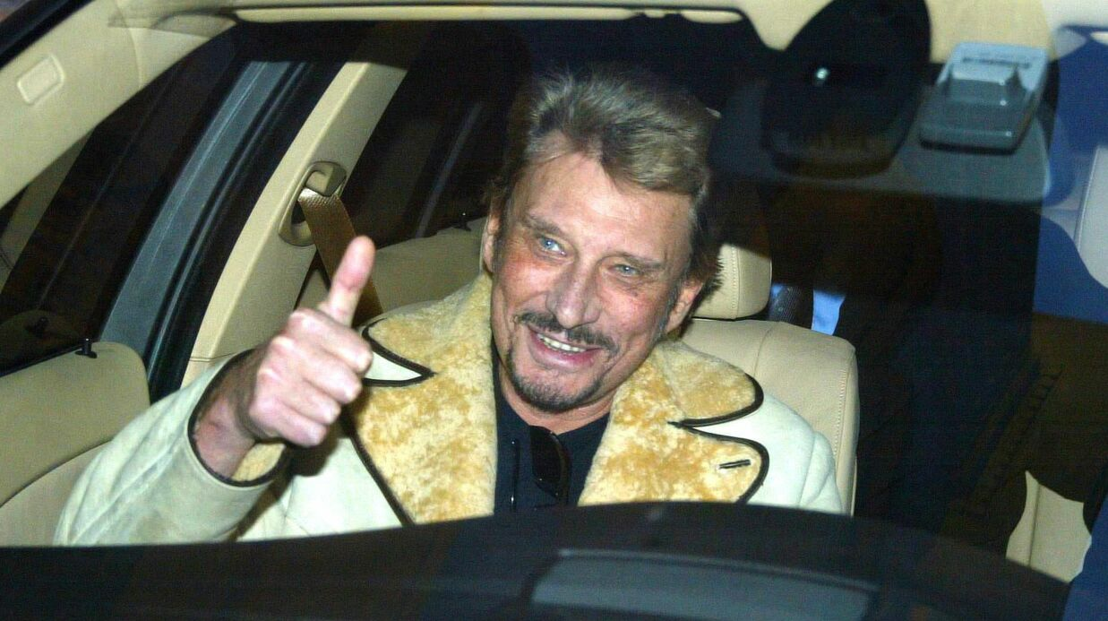 mort de johnny hallyday sa voiture va tre vendue aux ench res pour une fortune voici. Black Bedroom Furniture Sets. Home Design Ideas